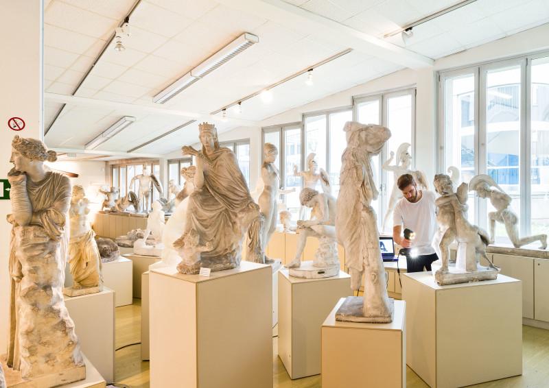 Oliver Laric Institut für Archäologie, Universität Wien2015