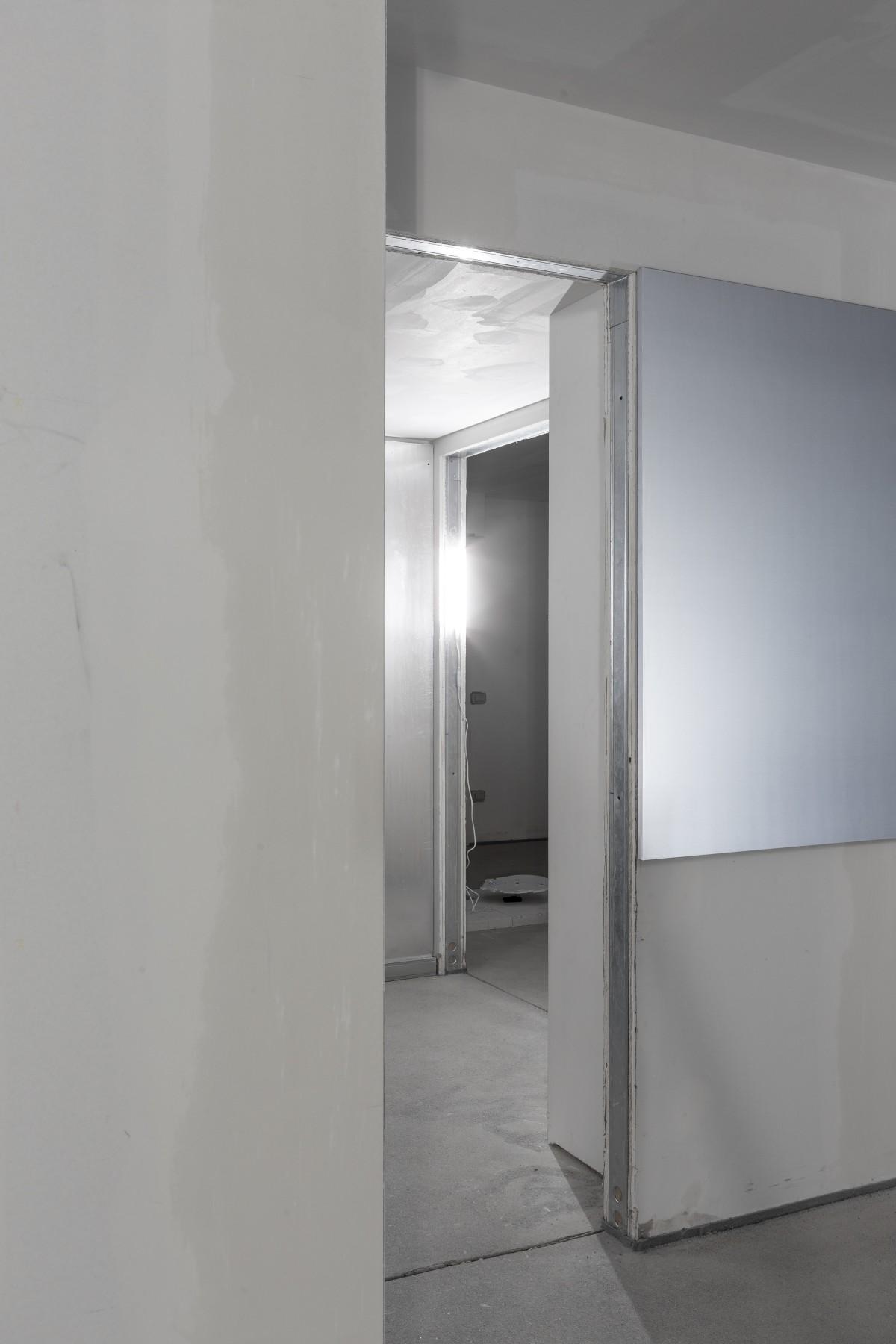 downgradevampire_flat1room1_022