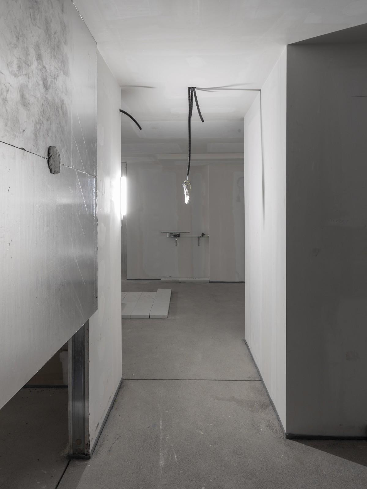 downgradevampire_flat2room1_018